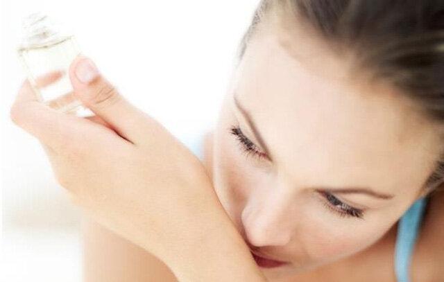 Nguyên nhân nào khiến nước hoa nữ bay mùi nhanh