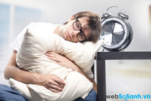 Nguyên nhân và triệu chứng phổ biến của chứng mất ngủ