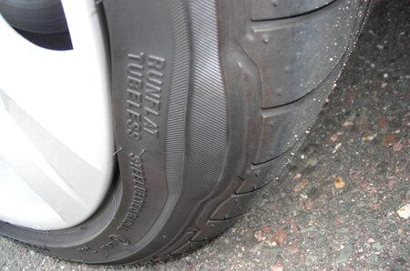 Nhìn vết mòn trên lốp để bắt bệnh của ô tô