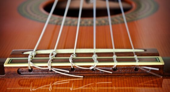 Những điều cần biết khi chọn mua dây đàn guitar