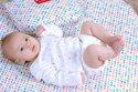 Những điều cần lưu ý khi chọn quần áo sơ sinh cho bé