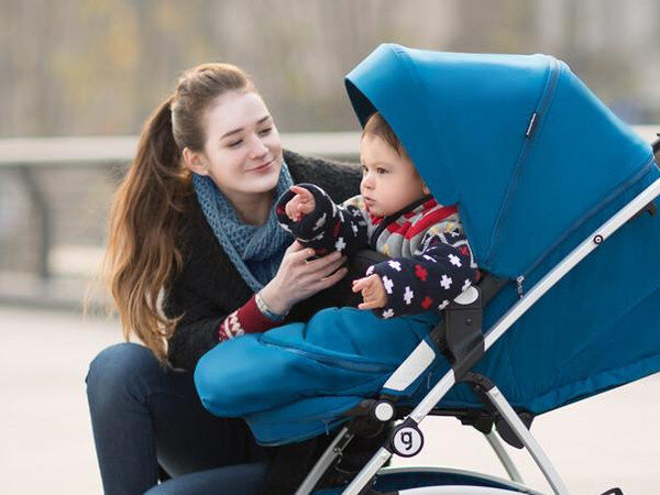 Những điều cần lưu ý khi mua xe đẩy cũ cho bé qua mạng xã hội