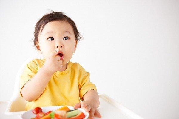 Những điều mẹ cần biết về việc bổ sung vitamin và khoáng chất cho trẻ sơ sinh và trẻ nhỏ