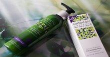 Những dòng sữa rửa mặt chất lượng dành cho da khô, nhạy cảm mới nhất