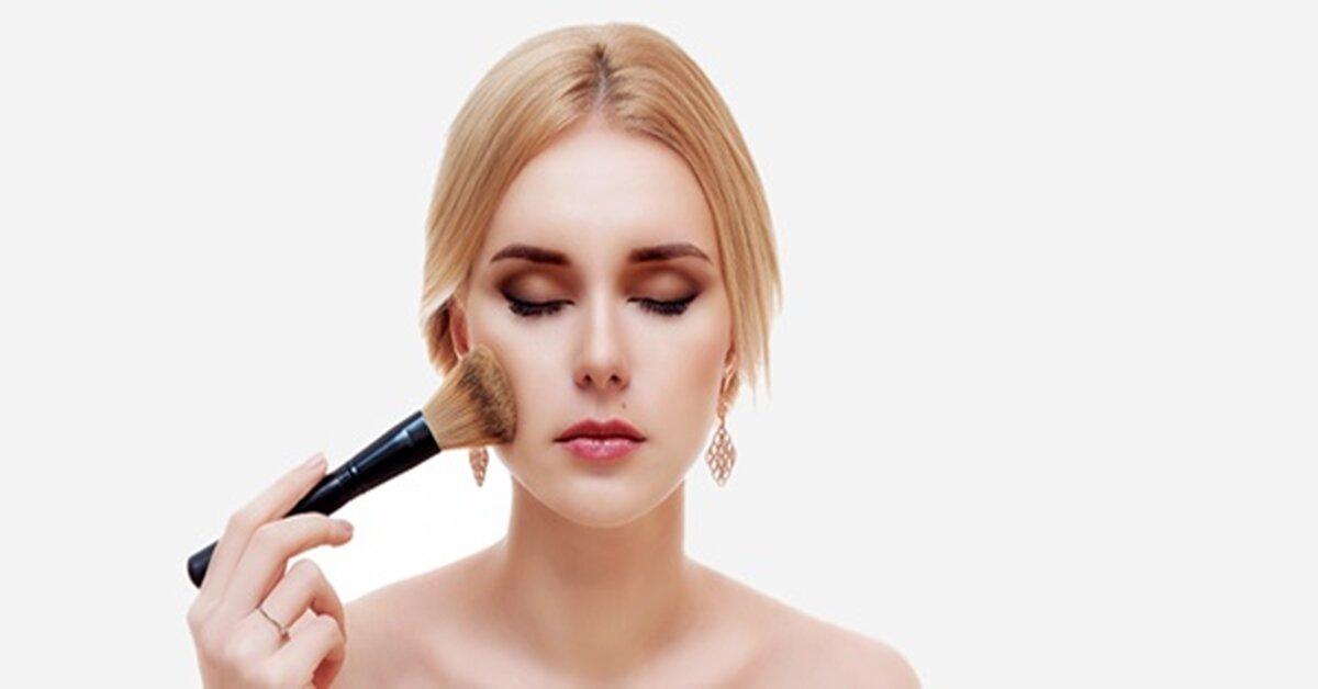 Những lỗi sử dụng kem nền khiến lớp make up kém tự nhiên