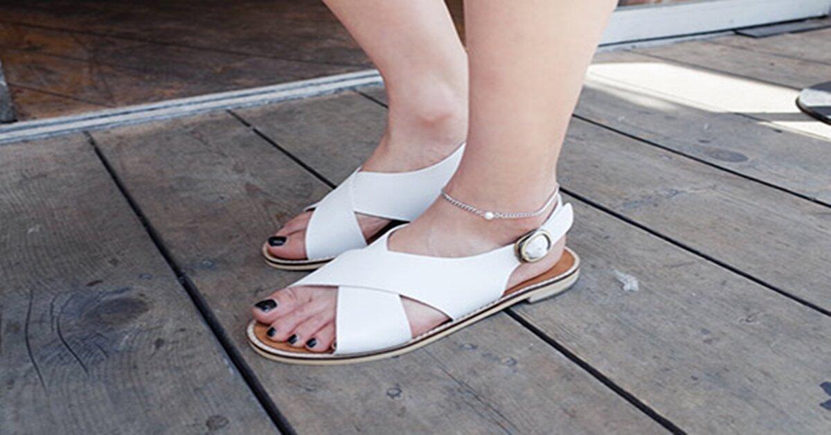Những lựa chọn sandal nữ tuyệt vời cho ngày hè vừa thoáng chân lại cực thời trang
