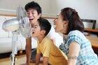 Những lưu ý khi dùng quạt điện để tránh bị cảm vào mùa hè