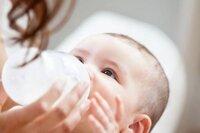 Những lý do nên chọn sữa bột Diamond Newborn & Baby cho trẻ sinh non