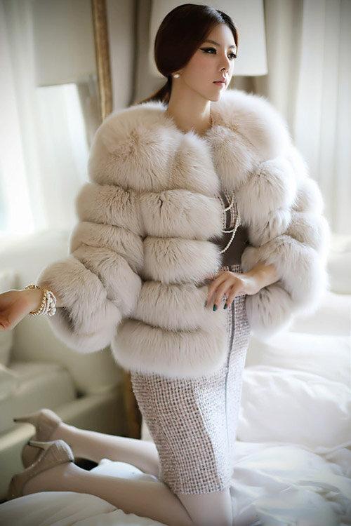 Những mẫu áo lông quý phái và ấm áp cho ngày đại hàn