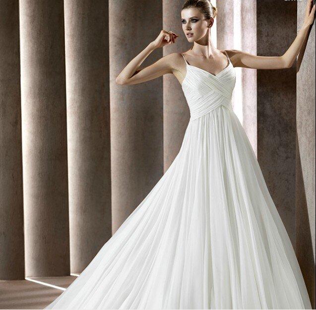 Những mẫu váy cưới đẹp cho cô dâu dáng đồng hồ cát