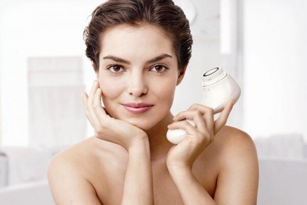 Những máy rửa mặt nổi tiếng với khả năng làm sạch và sáng da