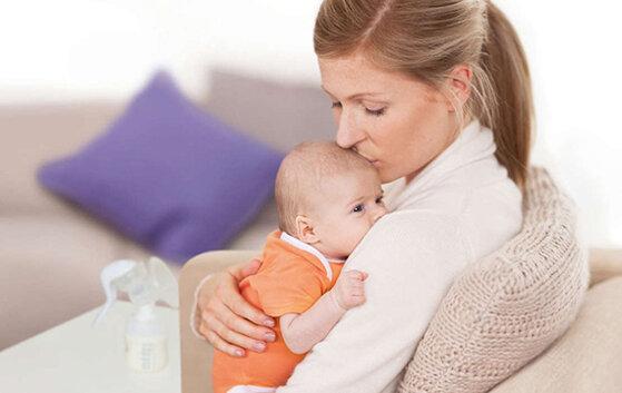 Những tác dụng của máy hút sữa đối với mẹ và bé