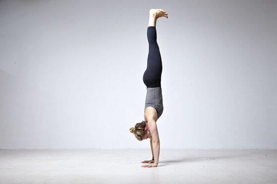 Những tư thế yoga không dành cho người mới bắt đầu