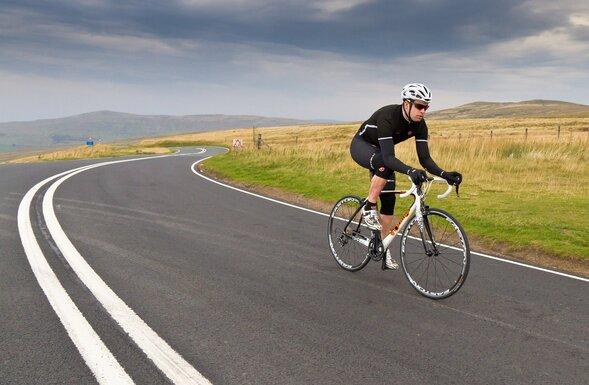 Những yếu tố nào tạo nên một chiếc xe đạp đua (Road bike)?