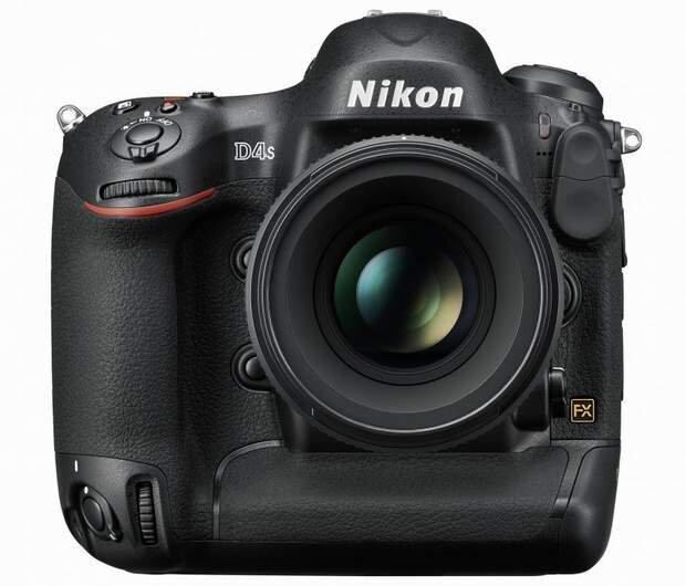 Nikon D4S: Chụp các vật thể trong bóng đêm đen như mực