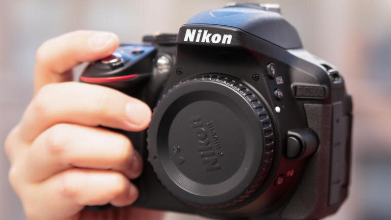 Nikon D5300 – Máy ảnh DSLR tốt nhất  cho nhiếp ảnh đời thường (Phần 1)