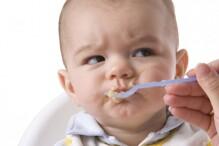 Vì sao không nên cho bé sử dụng bột ăn dặm bán sẵn?