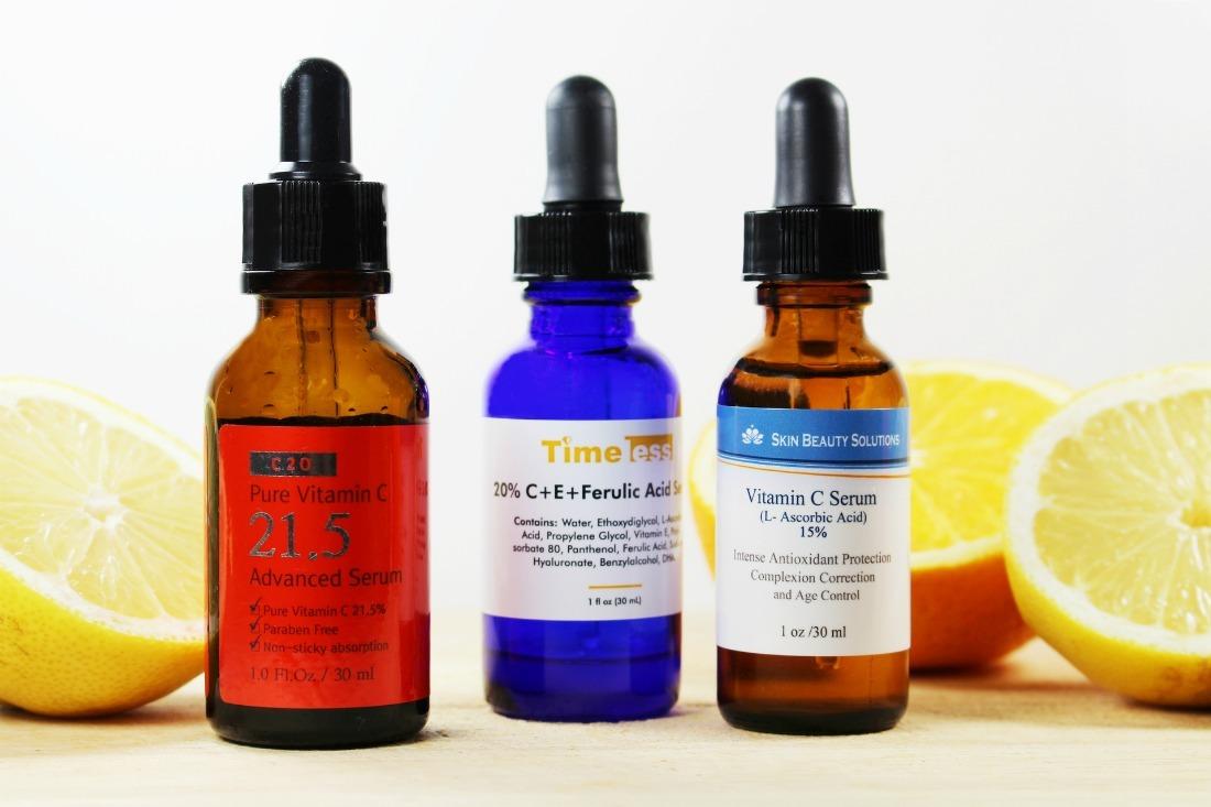 Vitamin C có khả năng dưỡng trắng, nhưng bạn nên chú ý về việc chống nắng khi sử dụng thành phần này nhé!