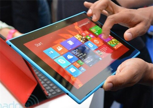Nokia Lumia 2520 bắt đầu bán tại Anh