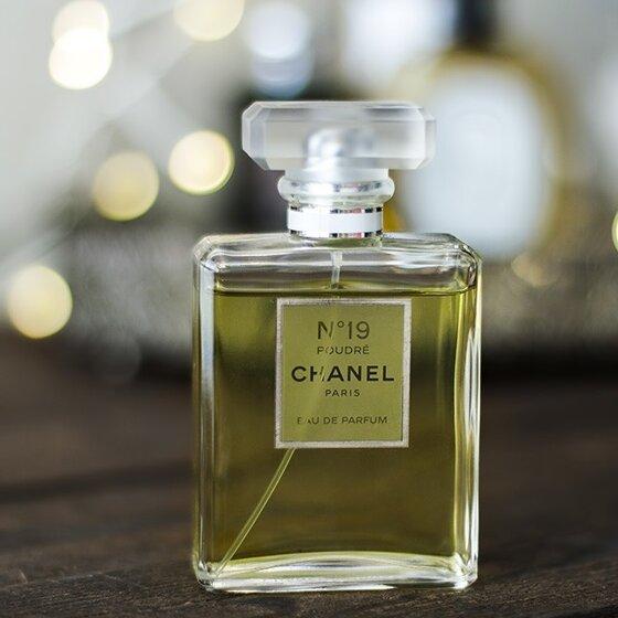 Nước hoa nữ Chanel No.19 Poudré Pour Femme - hương hoa nồng nàn, cổ điển đến từ nước Pháp