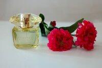 Nước hoa Versace Yellow Diamond Intense For Women - mùi hương tinh khiết, gợi cảm và đầy nữ tính