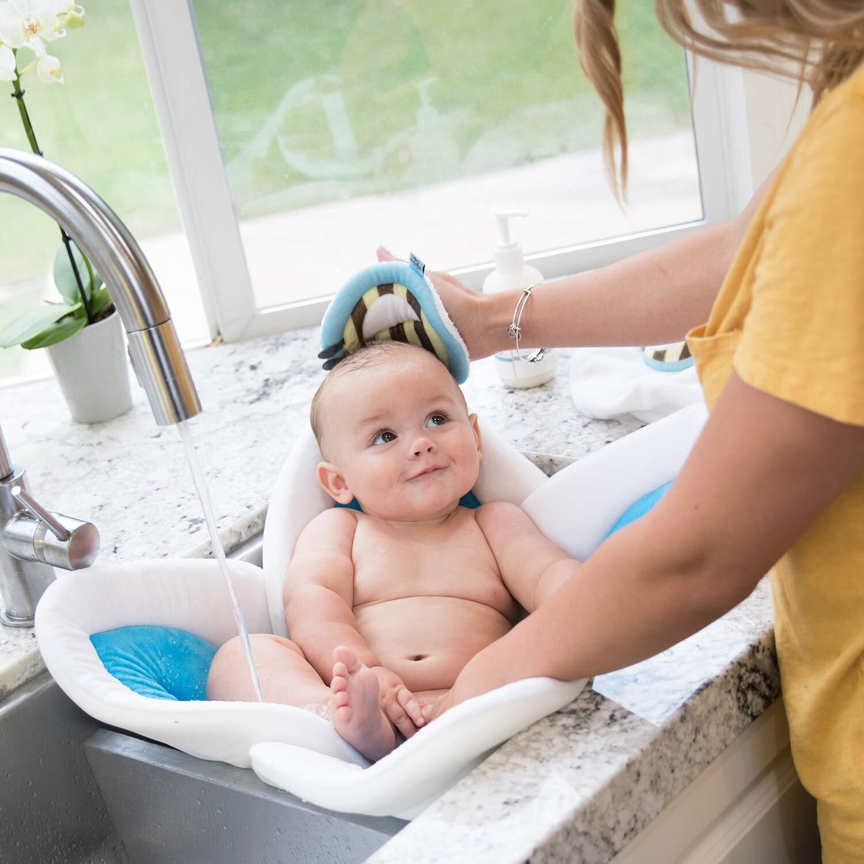Thời gian tắm phù hợp cho trẻ sơ sinh là sau 9h30 sáng và trước 4h30 chiều