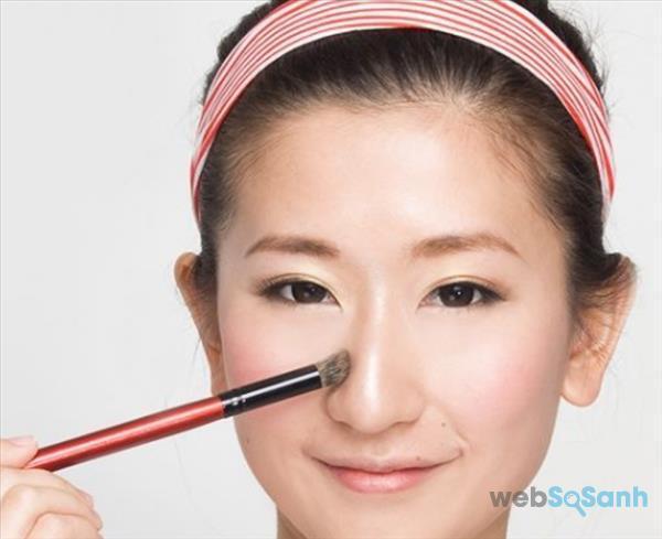 Mẹo trang điểm mũi to trông thon và cao hơn