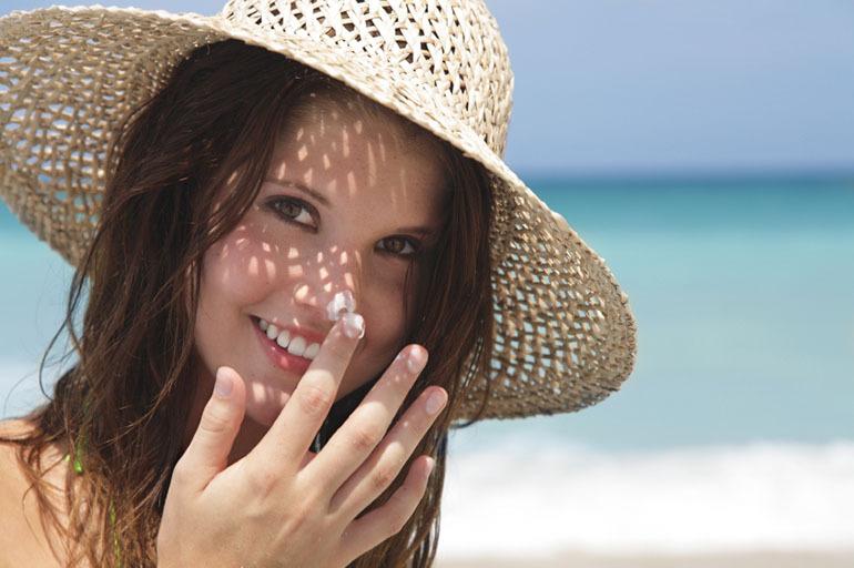 Bí quyết chọn kem chống nắng cho da mụn hiệu quả và an toàn nhất