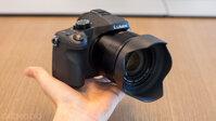 Panasonic ra mắt Lumix FZ1000 siêu zoom có khả năng quay video 4k.