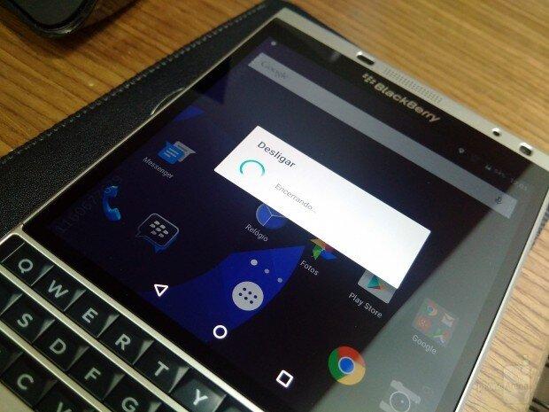 Passport Silver Edition hoạt động mượt mà khi cài đặt Android