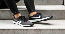 Phân biệt giày thể thao nữ Nike chính hãng và Fake