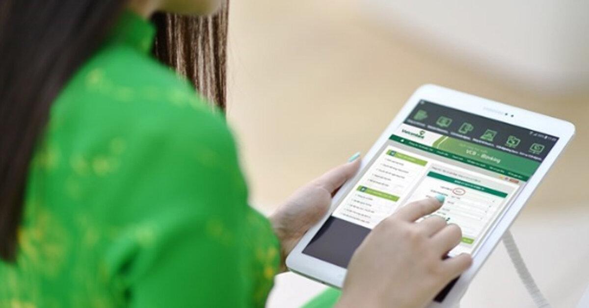 Phí chuyển khoản Vietcombank internet banking mới nhất bao nhiêu ?