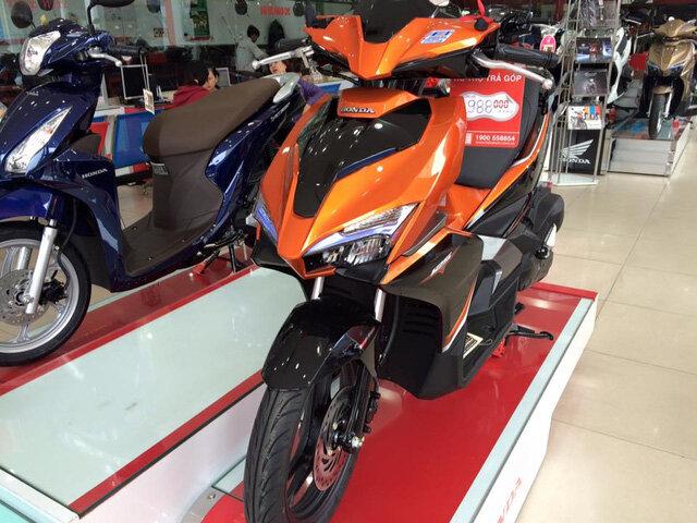 Phí trước bạ – Yếu tố khiến giá xe máy tại đại lý luôn đắt hơn giá niêm yết
