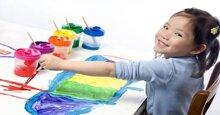 Phương pháp Montessori để nuôi dạy trẻ tự tin hòa đồng với bạn bè