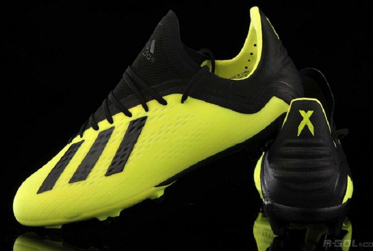 Giầy đá bóng cỏ nhân tạo Adidas X