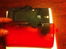 OnePlus One bị nổ pin khi để trong túi quần