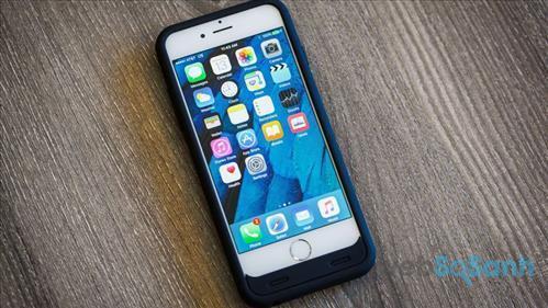 Trianium Atomic S iPhone battery case