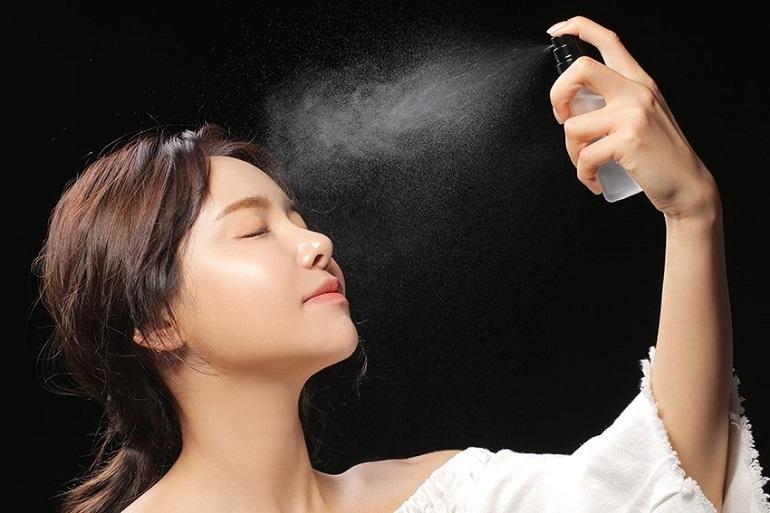 Những tác dụng xịt khoáng đem lại cho da