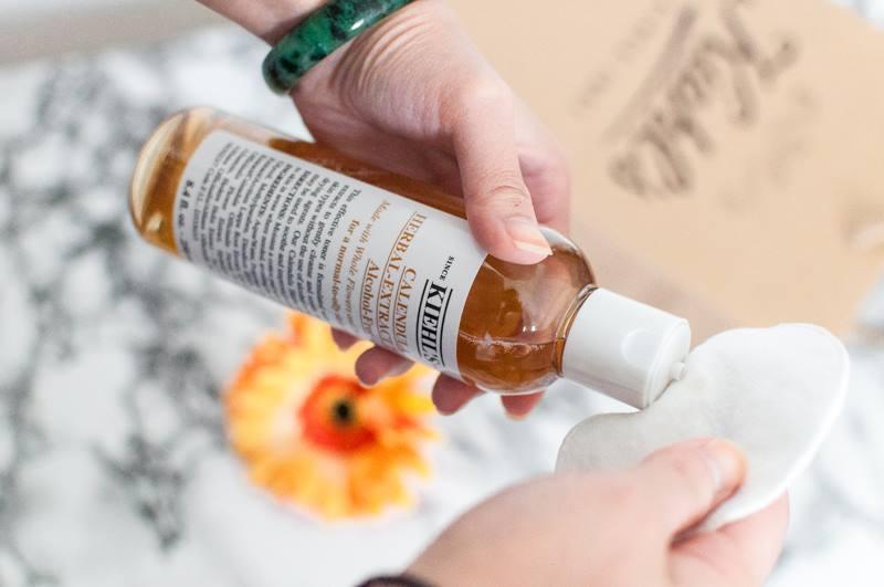 Nhớ sử dụng toner, xịt khoáng để cân bằng độ ẩm cho da ngay sau khi rửa mặt