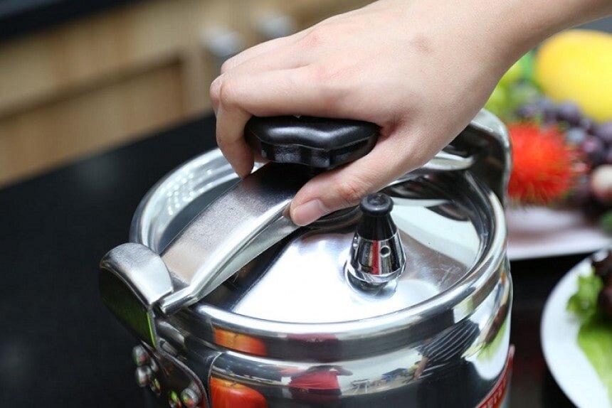Cần phải thật cẩn thận khi làm giảm áp suất nồi sau khi nấu