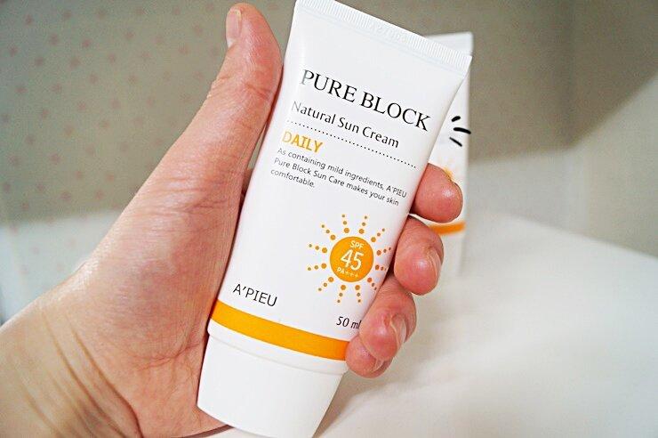 Review A'pieu Pure Block Natural Sun Cream Daily SPF45 PA+++ – Kem chống nắng hàng ngày cho các bạn gái