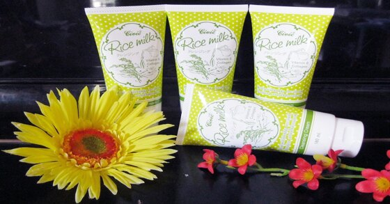 Review chi tiết về sản phẩm sữa rửa mặt Rice Milk của Thái Lan