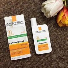 Review kem chống nắng cho da dầu La Roche-Posay Anthelios AC SPF 30 PPD25 Matte Fluid