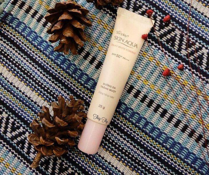 Review kem chống nắng giá rẻ Sunplay Skin Aqua Silky White Essence SPF50 PA+++