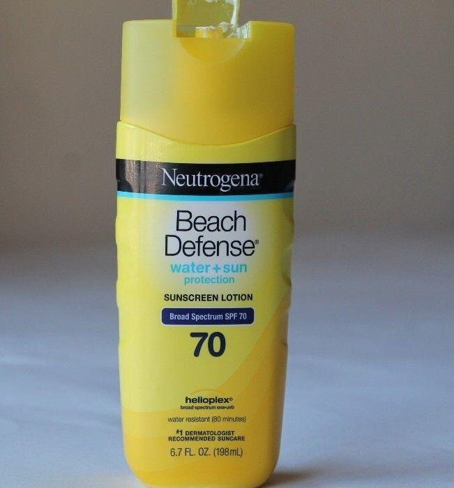 Review kem chống nắng Neutrogena Beach Defense Sunscreen Lotion Broad Spectrum SPF 70