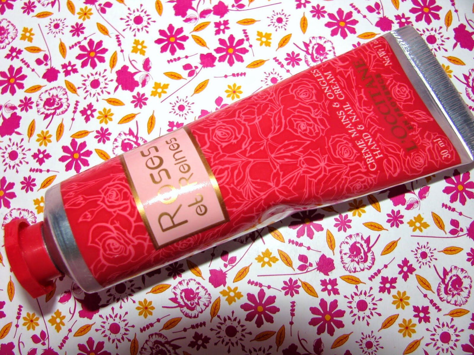 Review kem dưỡng da tay L'Occitane Velvet Hand Cream Rose et Reines