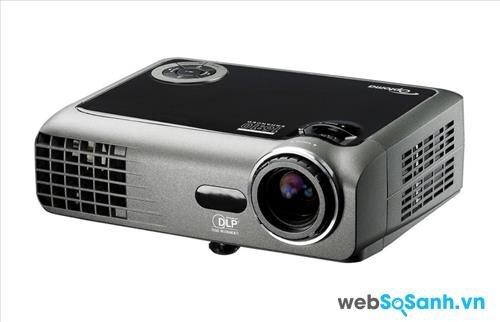 Review máy chiếu mini cường độ sáng cao Optoma EW330