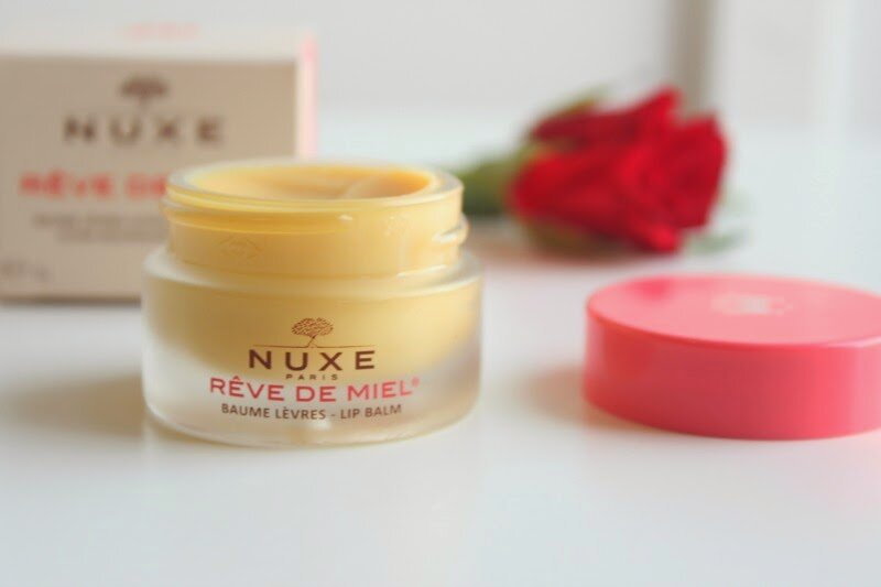 Review son dưỡng môi Nuxe Reve de Miel Ultra-Nourishing Lip Balm