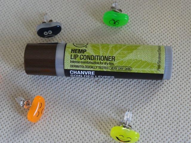 Review son dưỡng môi The Body Shop Hemp Lip Conditioner