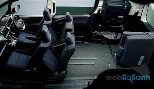 Hệ thống ghế ngồi bên trong với hàng ghế thứ 2 và 3 có thể gập lại làm khoang hành lý cực lớn